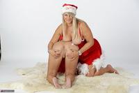 Sweet Susi. Horny Xmas Girls Free Pic 15