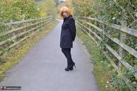 Barby Slut. Barby's Bridge Flash Free Pic 2