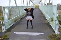 Barby Slut. Barby's Bridge Flash Free Pic 5