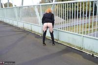 Barby Slut. Barby's Bridge Flash Free Pic 7
