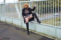 Barby Slut. Barby's Bridge Flash Free Pic 8