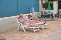 Melody. Sunbed Shenanigans With Pandora Pt1 Free Pic 1