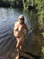 Sweet Susi. Flashing At The Lake Free Pic 4