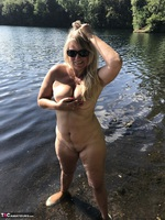 Sweet Susi. Flashing At The Lake Free Pic 7