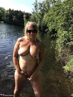 Sweet Susi. Flashing At The Lake Free Pic 14