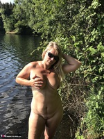 Sweet Susi. Flashing At The Lake Free Pic 15
