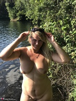 Sweet Susi. Flashing At The Lake Free Pic 17