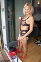 Molly MILF. Housework Free Pic 2