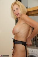 Molly MILF. Housework Free Pic 13