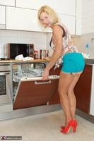 Molly MILF. Housework Again Free Pic 4