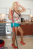 Molly MILF. Housework Again Free Pic 11