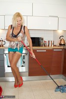 Molly MILF. Housework Again Free Pic 12