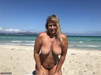Sweet Susi. The Beach Free Pic 13