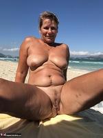 Sweet Susi. The Beach Free Pic 19