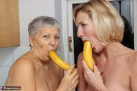 . Savana Molly & The Bananas Free Pic 16