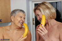 . Savana Molly & The Bananas Free Pic 17