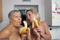 . Savana Molly & The Bananas Free Pic 20