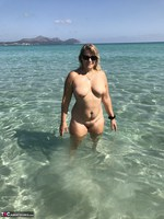 SweetSusi. Naked In The Sea Free Pic 4