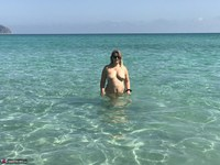 SweetSusi. Naked In The Sea Free Pic 10