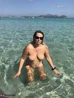 Sweet Susi. Naked In The Sea Free Pic 12