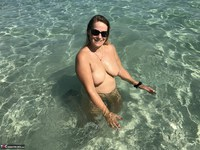 Sweet Susi. Naked In The Sea Free Pic 13