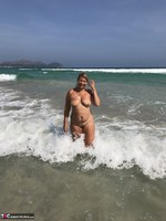 Sweet Susi. Naked In The Sea Free Pic 20