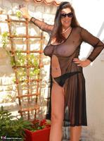 LuLu Lush. Lulu Sunning In The Courtyard Free Pic 3