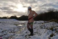 Barby Slut. Barby In The Snow Free Pic 15