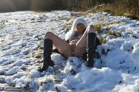 Barby Slut. Barby In The Snow Free Pic 17