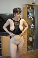 Hot Milf. Black Wet Look Pt2 Free Pic 1
