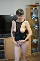 Hot Milf. Black Wet Look Pt2 Free Pic 6