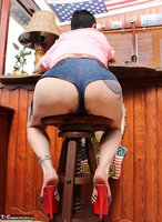 Mary Bitch. At The Bar In My Denim Hotpants Free Pic 4