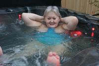 ValGasmic Exposed. Wet In The Tub Free Pic 2