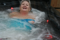 ValGasmic Exposed. Wet In The Tub Free Pic 3