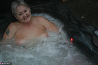 ValGasmic Exposed. Wet In The Tub Free Pic 5