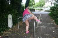 Lexie Cummings. Lexie Strips Down The Lane Free Pic 8