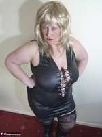 Mrs Leather. Blonde Tramp Free Pic 1