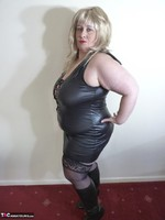 Mrs Leather. Blonde Tramp Free Pic 5