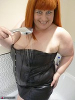 Mrs Leather. Wet Leather Free Pic 1