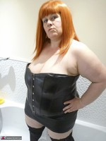 Mrs Leather. Wet Leather Free Pic 3