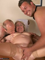 SpeedyBee. The Dinner Party Free Pic 14