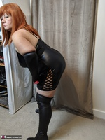 Mrs Leather. Clean My Boots Free Pic 3