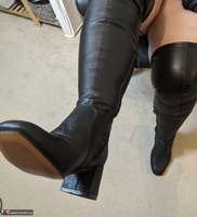 Mrs Leather. Clean My Boots Free Pic 11