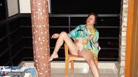 Diana Ananta. Smoke Piss & Cucumber Free Pic 5