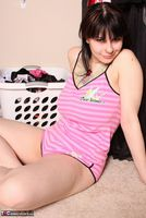 Susy Rocks. Laundry Day Pt1 Free Pic 2