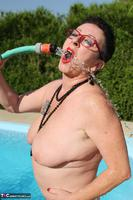 Mary Bitch. Water Jet Game Free Pic 9