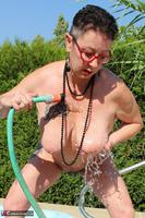 Mary Bitch. Water Jet Game Free Pic 16