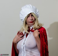 Barby Slut. The Handjob Maid Free Pic 3