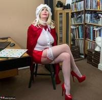 Barby Slut. The Handjob Maid Free Pic 15