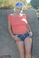 . Posing In The Park Free Pic 10